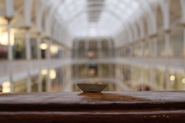 Das Schiffchen im Hauptsaal des Scottish National Museum.