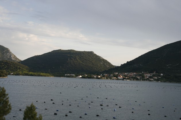 Blick auf die Halbinsel in der Adria vor Klek