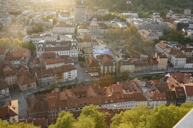 Blick über Ljubljana vom Bergfried der Burg