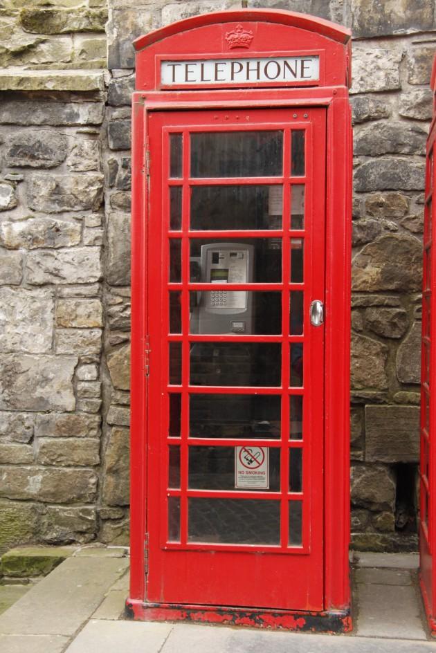 Telefonzelle auf Edinburgh Castle