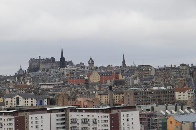 Blick auf Edinburgh von Arthutr's Seat aus.