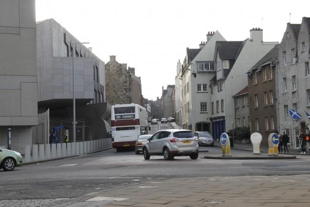 Straßen in Edinburgh rund um das Parlament