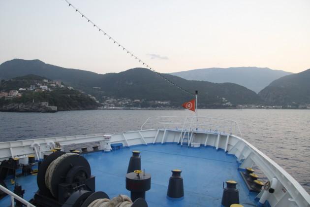 Einlaufen in den Hafen von Poros