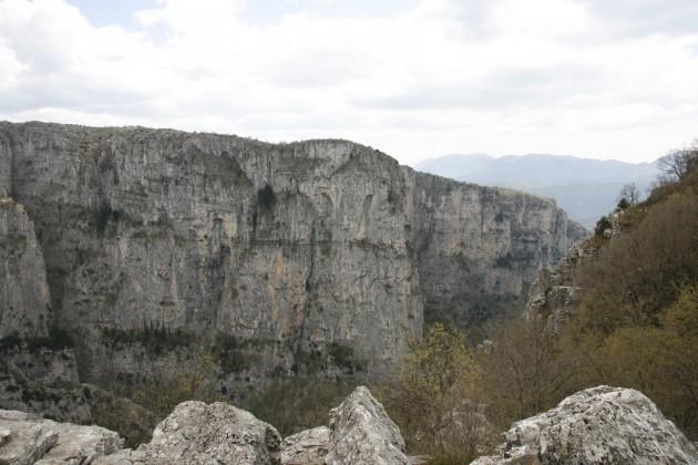 Vikos-Schlucht etwa 2,5 km nördlich von Monodendri