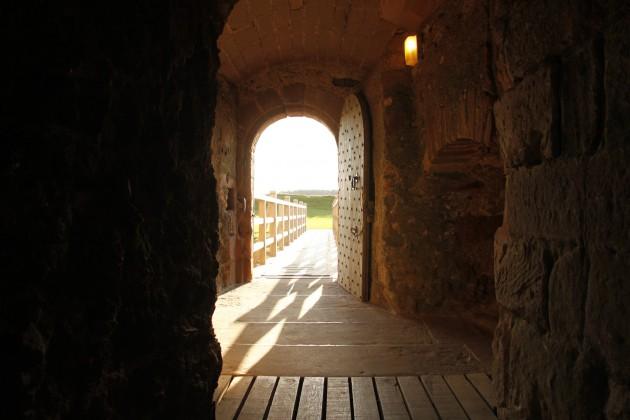 Im Torhaus von Tantallon Castle