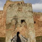 Tantallon Castle, Eingang