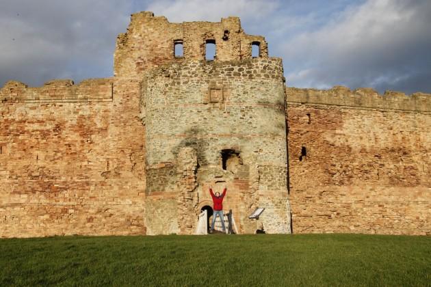 Torhaus von Tantallon Castle vom Vorhof aus gesehen.