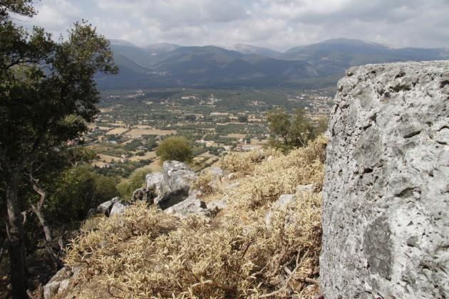 Am westlichen Rand der Akropolis von Sami