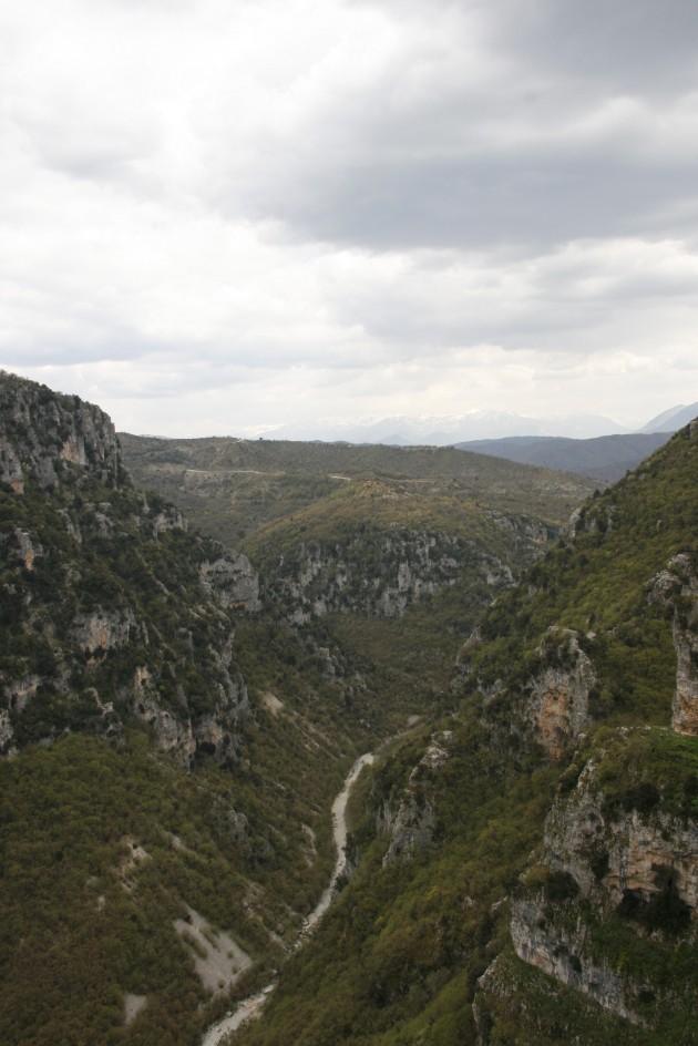 Im Bereich des Klosters Agios-Paraskevi östlich von Monodendri.