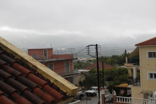 Blick über Grizata bei schlechtem Wetter