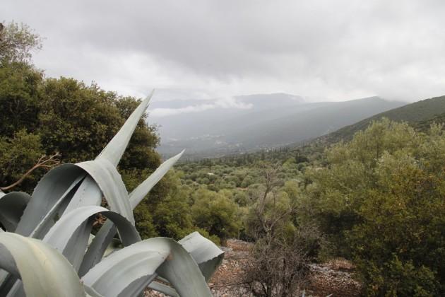 Landschaft im Umfeld eines beim Erdbeben von 1952 zerstörten Dorfes
