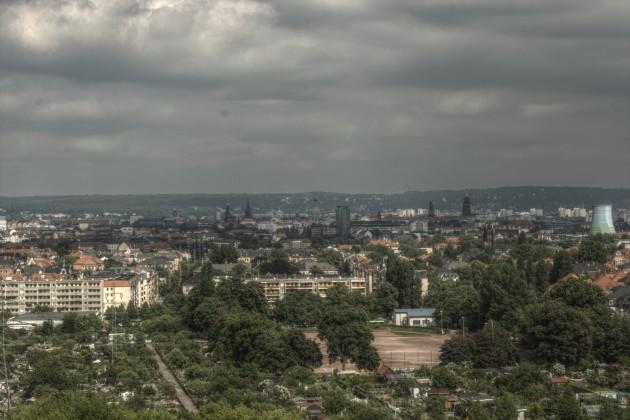 Dresden im Frühlung von der Braunsdorfer Straße 125, Blick Richtung Osten