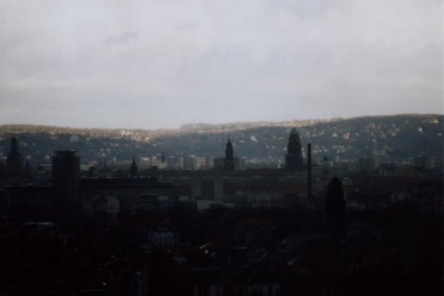 Dresden am frühen Morgen, fotografiert vom Haus Braunsdorfer Straße 125, Blick in Richtung Osten