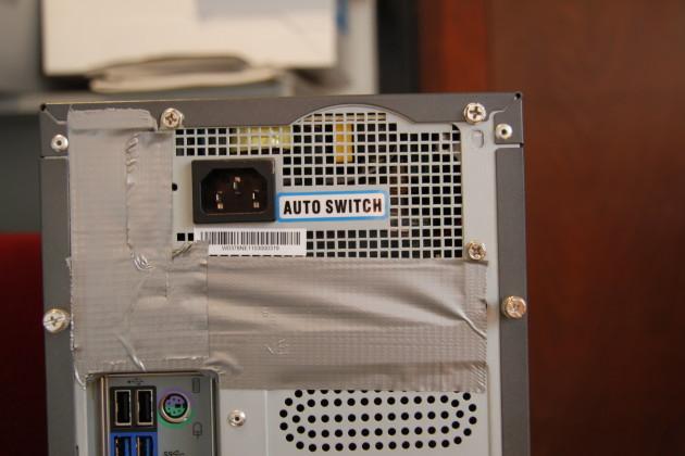 Mit etwas Flickschusterei geht alles: SFX-Netzteil in ATX-Gehäuse